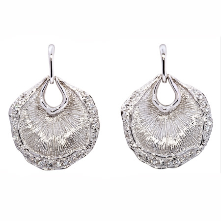 Picture of 08420: Gorgeous Sterling Silver Stud Earrings Finished in Striking Linear Texture with White Cubic Zirconias